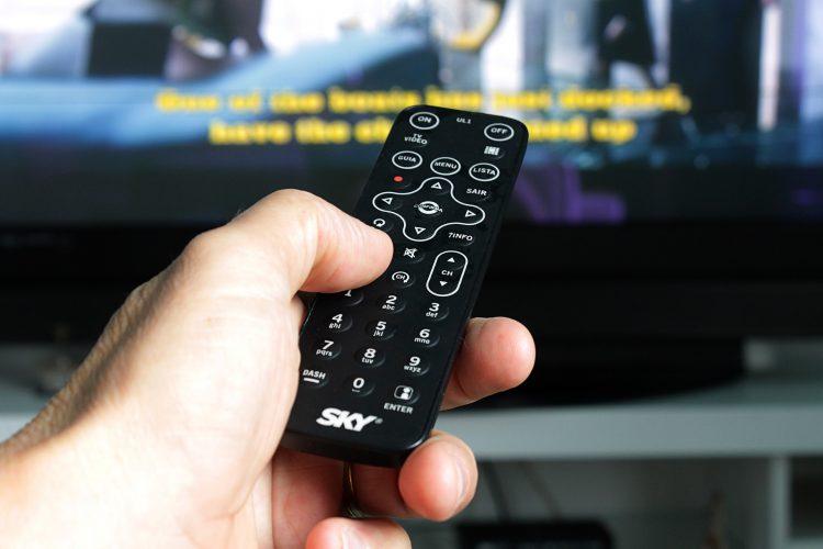 wybór programu w cyfrowej telewizji kablowej